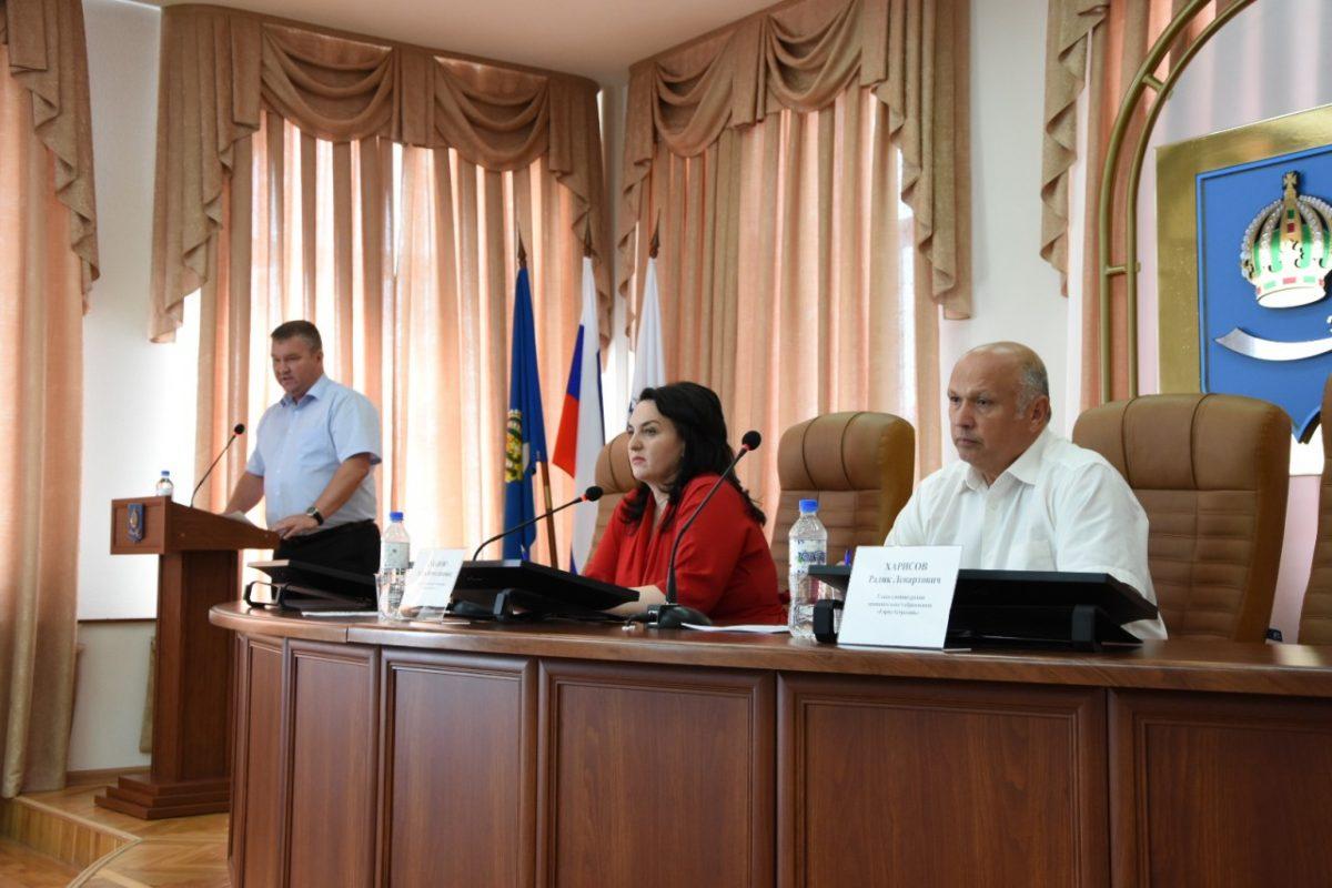 Депутаты провели «Парламентский час» с представителями администрации Астрахани