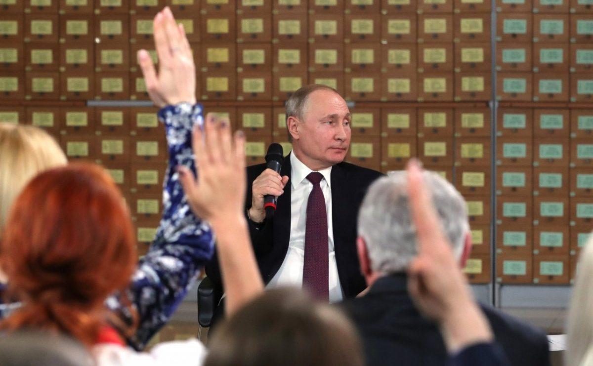 Возросло число россиян, одобряющих работу Владимира Путина
