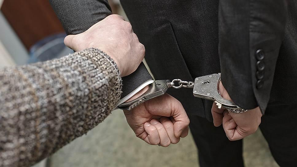 Следственный комитет возбудил сразу 17 уголовных дел в отношении министров и чиновников АО