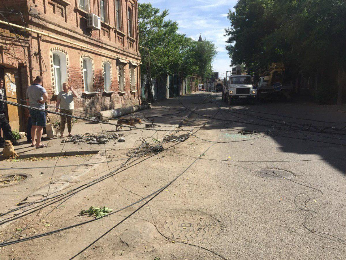 У обрушившихся опор ЛЭП на улице Фиолетова не оказалось собственников