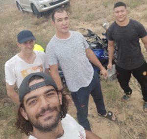 Португальского мотопутешественника спасли в астраханской степи