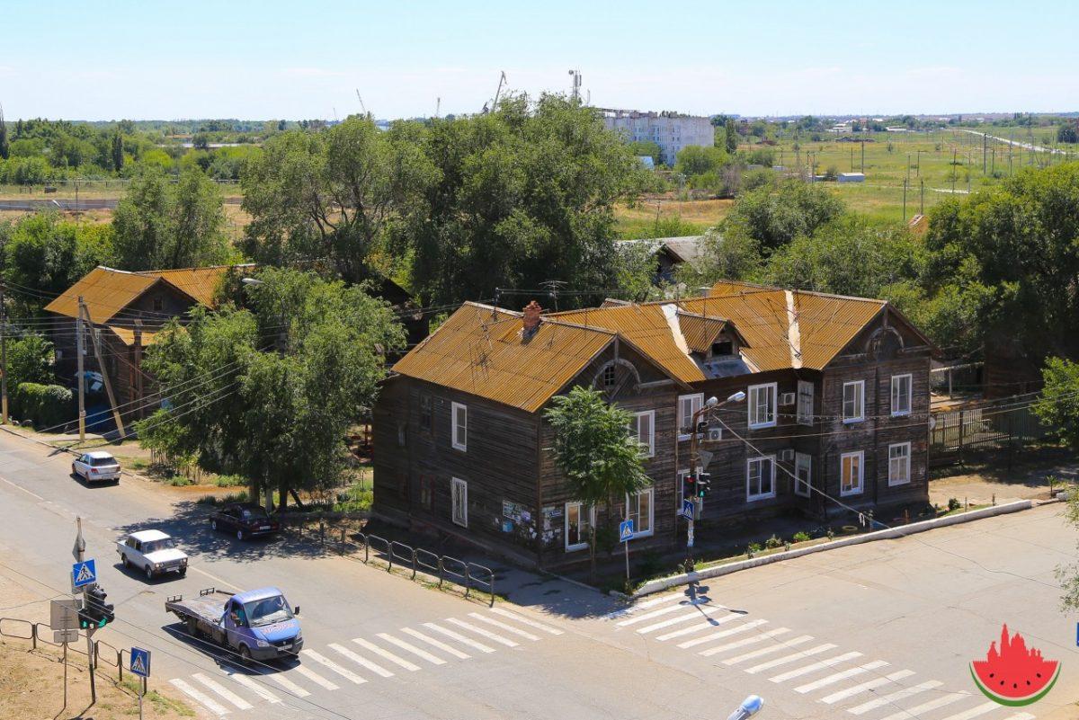 В Астрахани продолжают проверять дома на предмет аварийности