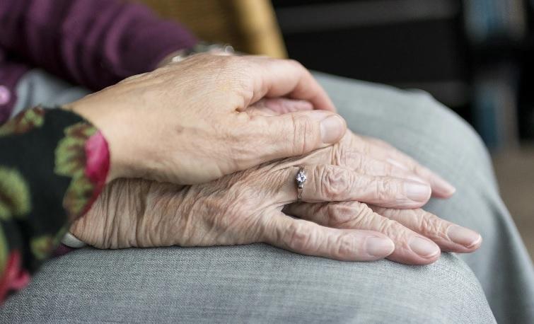В Астрахани жену ветерана попросили доказать, что она еще жива