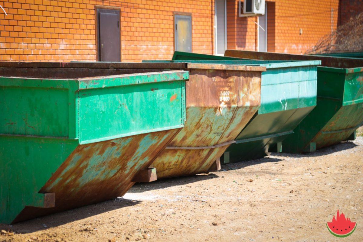 Астраханцы стали значительно больше платить за вывоз мусора