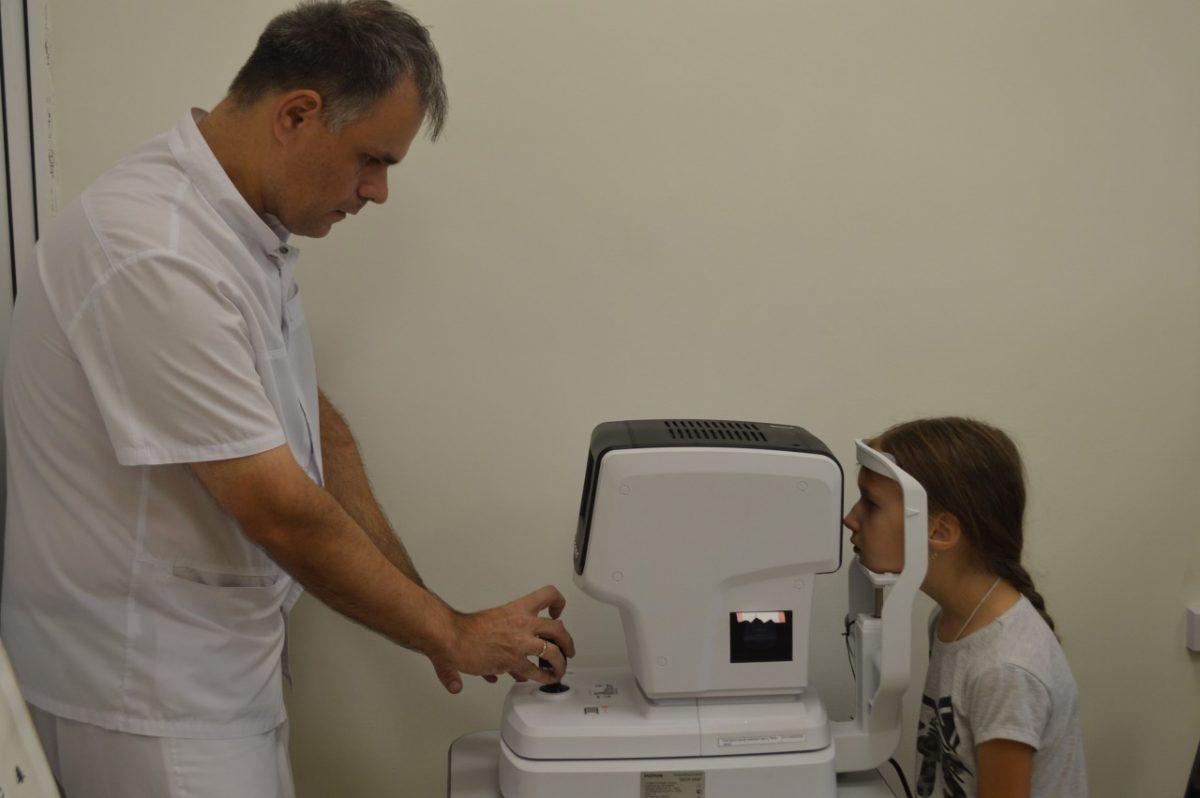 В Городской поликлинике №10 теперь возможна бесконтактная диагностика зрения у детей