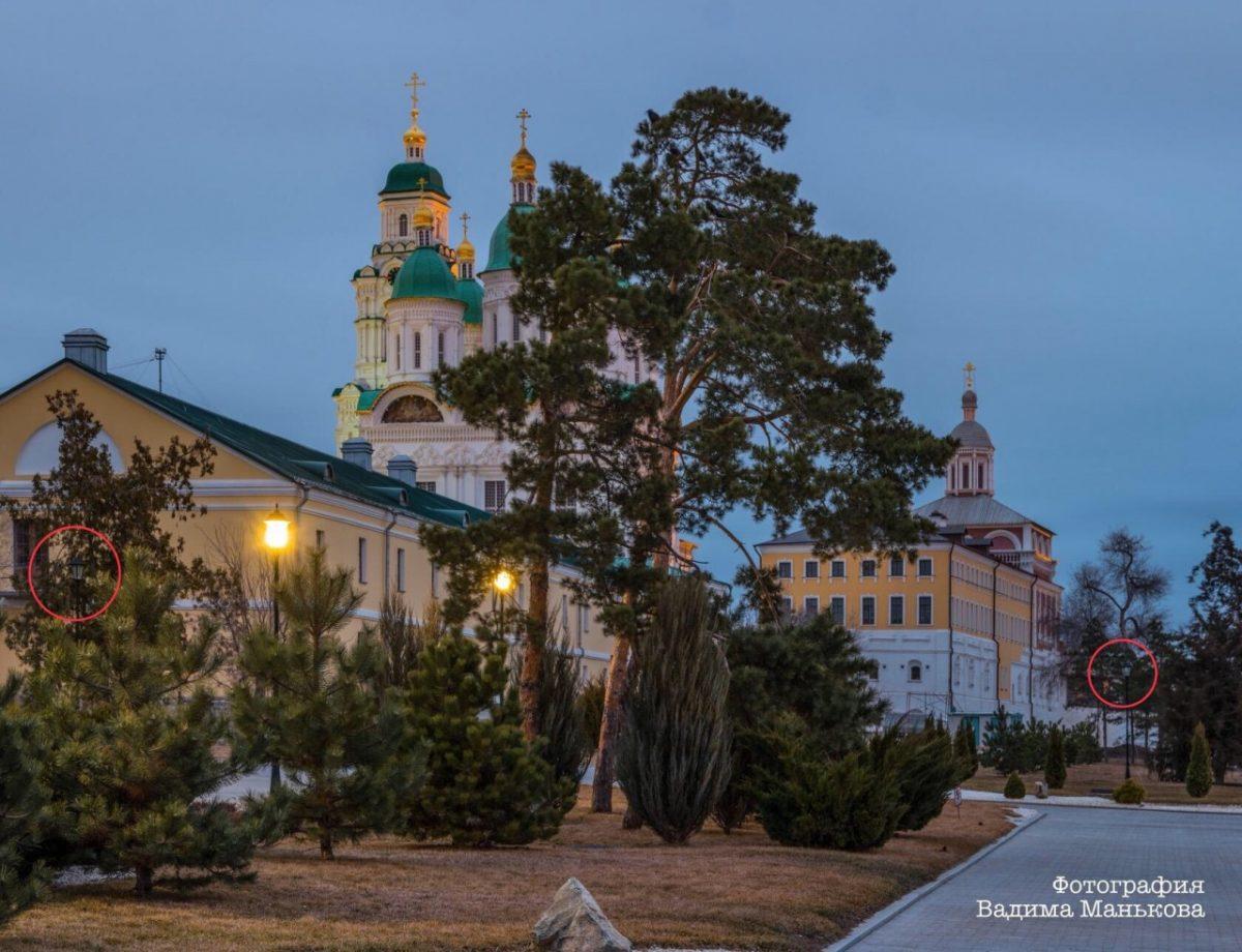 В астраханском кремле годами не работают фонари