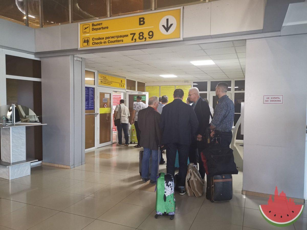 Астраханские чиновники массово отправились на самолете в Туркменистан