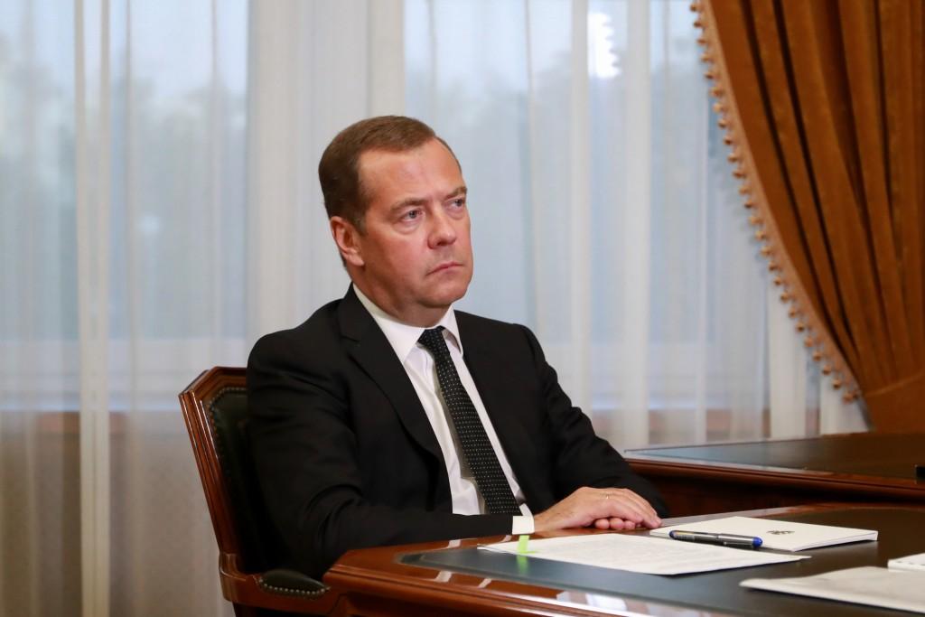 Медведев выделил Астраханской области деньги на Дома культуры