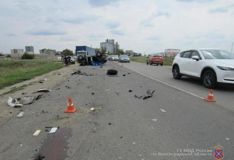 Астраханец спешил домой и устроил аварию в Волгоградской области