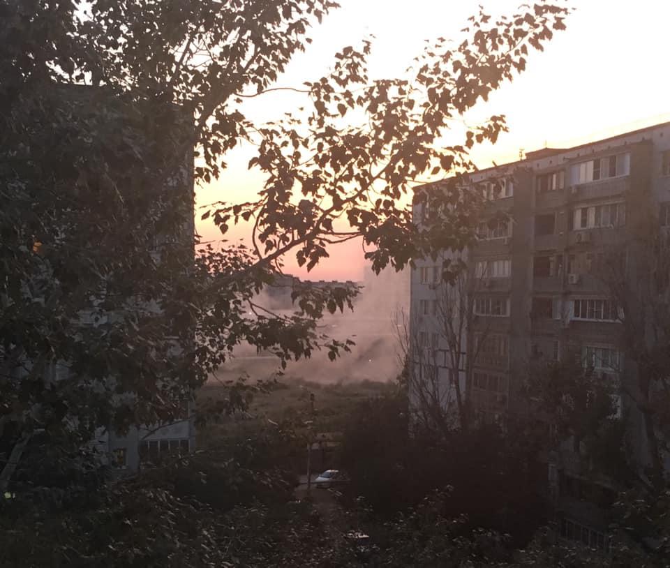 Астраханцы продолжают задыхаться от запаха гари