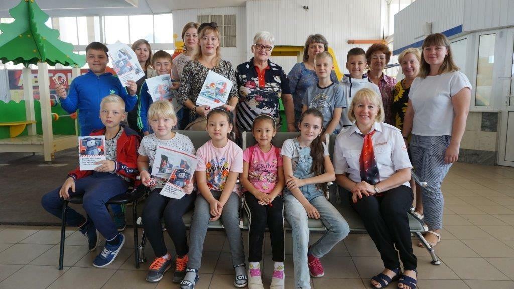 Профилактическое мероприятие для детей организовали на астраханском вокзале по случаю начала учебного года