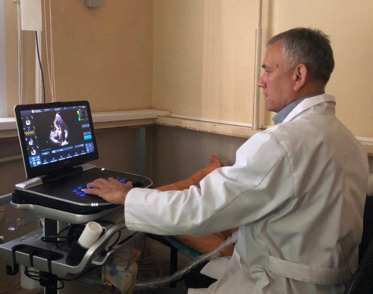 В борьбе с сердечно-сосудистыми заболеваниями: современное оборудование поступило в Александро-Мариинскую областную больницу