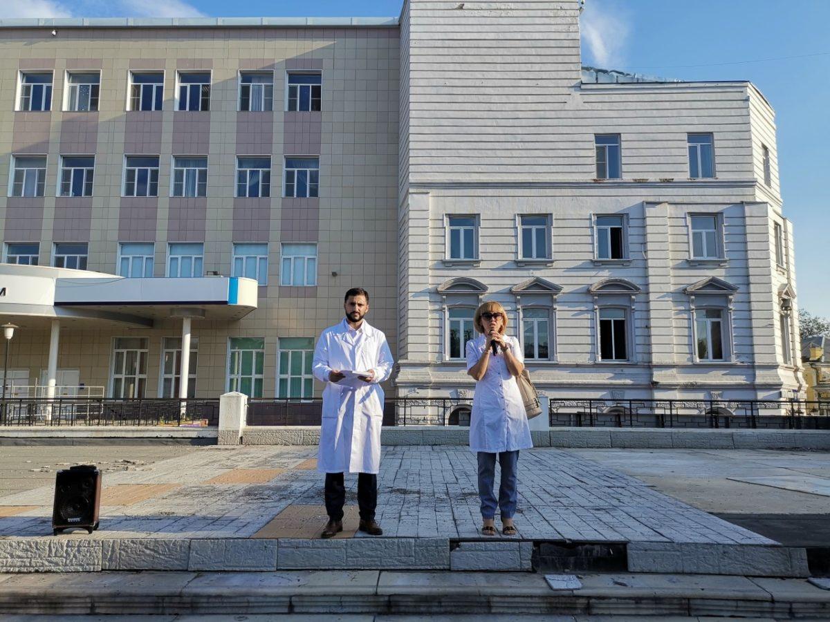 Астраханские врачи проведут митинг в Москве
