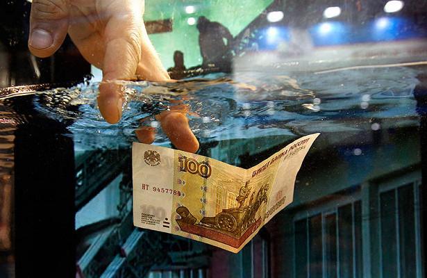 Бюджет Астраханской области «заливает деньгами»
