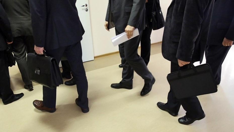 На выплаты уволенным чиновникам выделят 5 млрд рублей