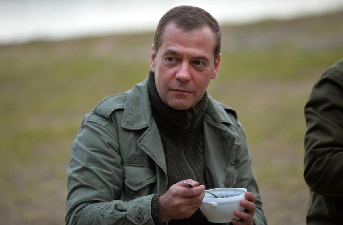 Дмитрий Медведев высказался о возможном импичменте президента США