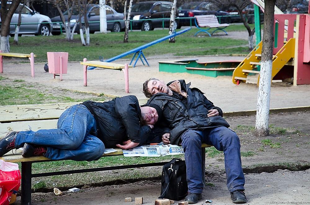 Смертность от алкоголя в России сравнялась с ДТП и самоубийствами