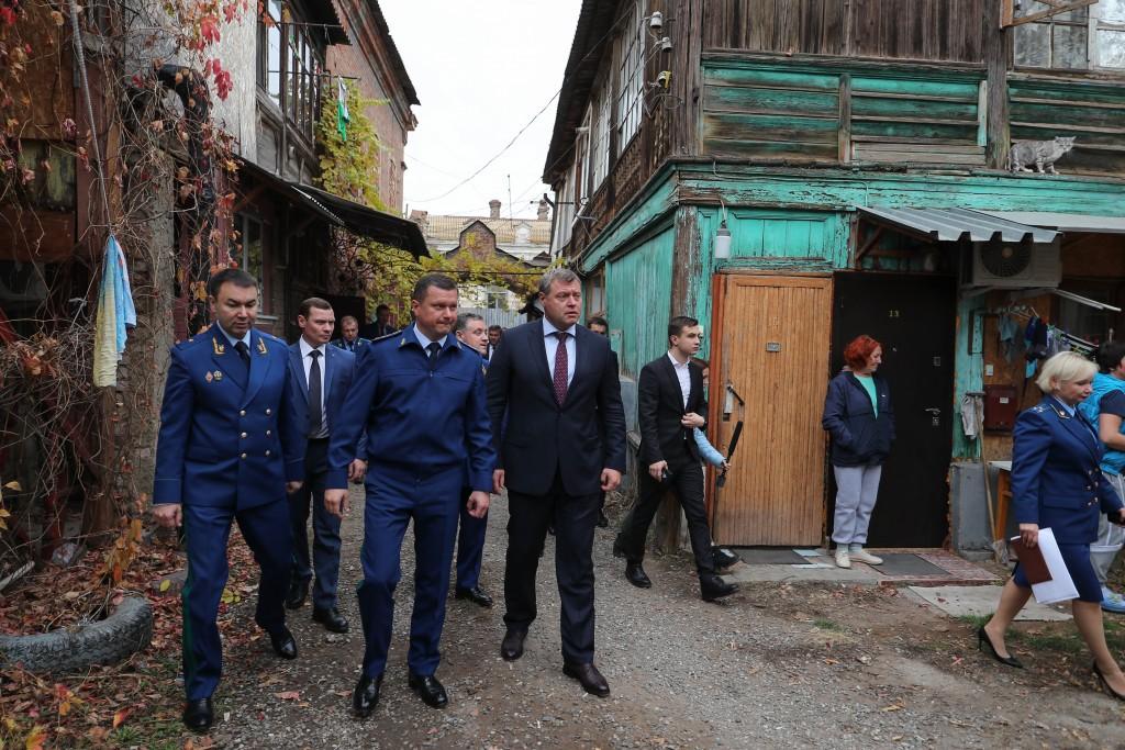 В Астраханской области оперативно выявили почти 1700 аварийных домов