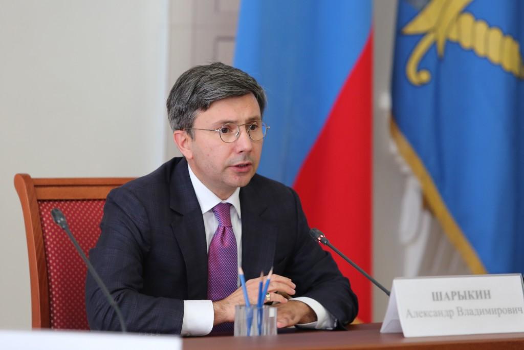 Глава Астраханского правительства сравнил траты на собак и советников губернатора