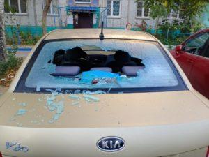 По ночам в Астрахани неизвестные разбивают стекла автомобилей