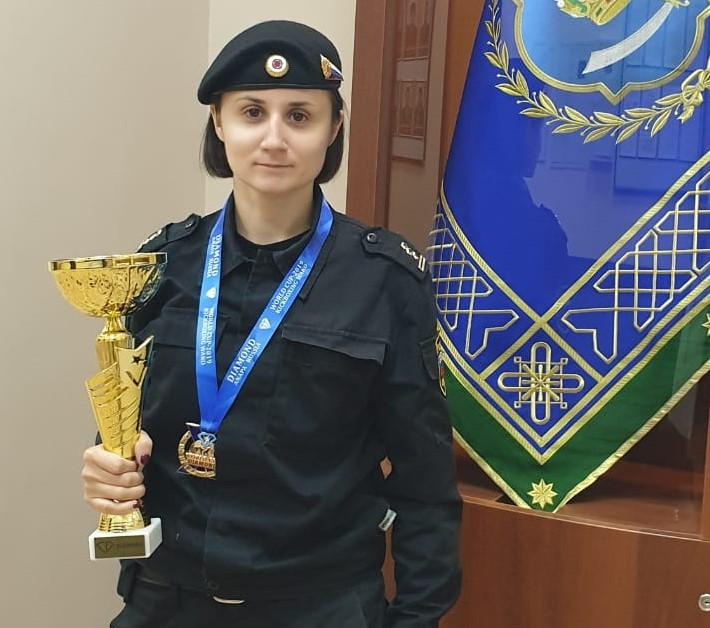Девушка-судебный пристав из Астрахани стала чемпионкой мира по кикбоксингу