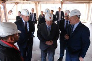 Полпреду в ЮФО Владимиру Устинову показали успехи астраханского судостроения