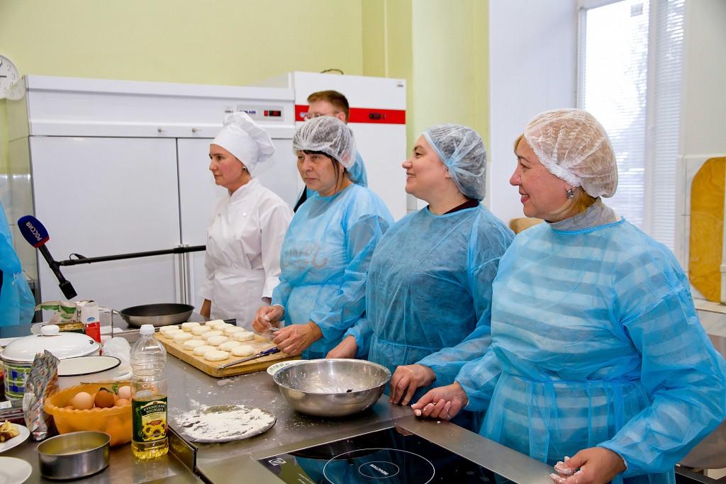 Игорь Бабушкин пообщался со студентами-предпенсионерами