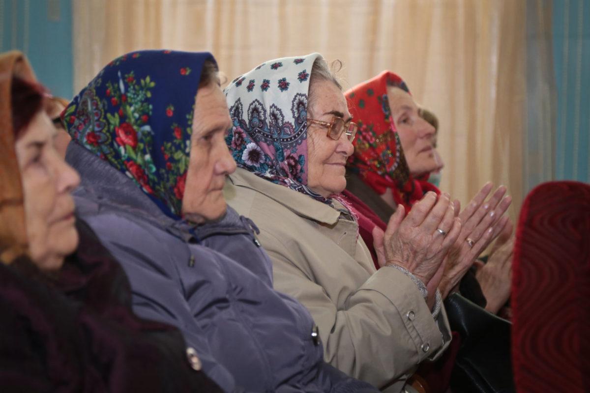 Пенсионеров в Астраханской области стало меньше