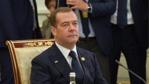 Медведев рассказал, как в детские годы пел в хоре