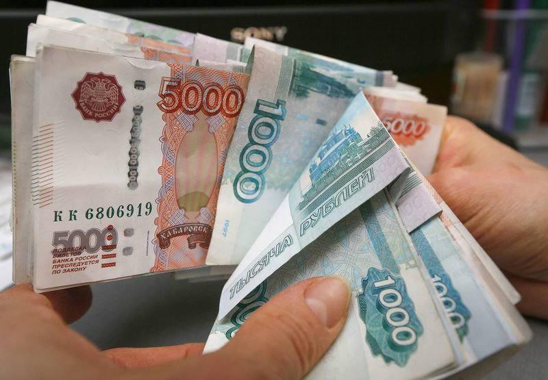 Средняя зарплата в Астраханской области — 34,4 тысячи рублей