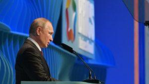 Владимир Путин рассказал о мерах по спасению экономики