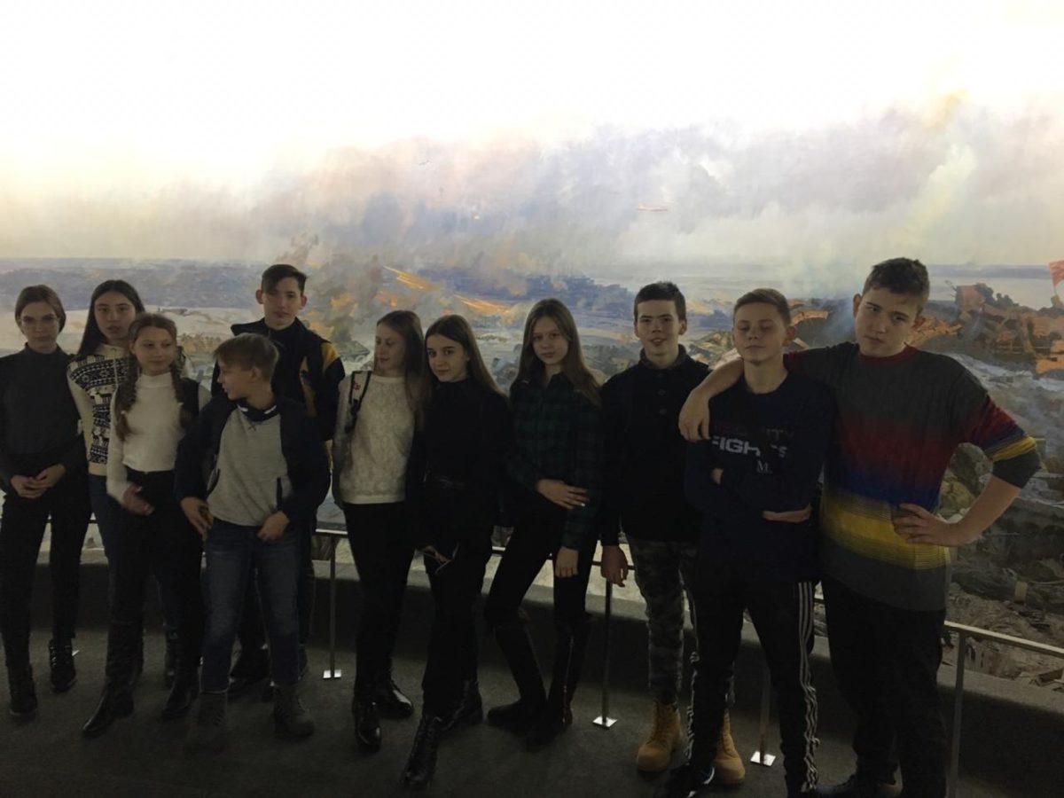 Туристическую поездку в Волгоград организовали для 25 школьников Астраханской области