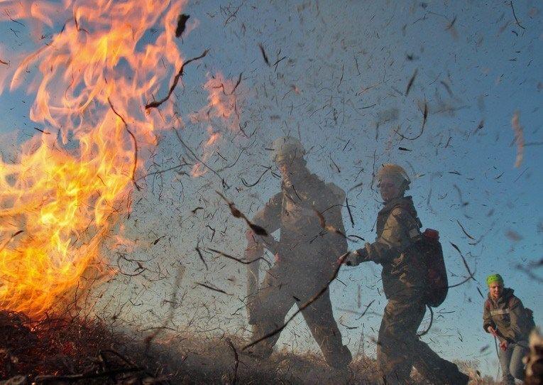В Астраханской области создается штаб по борьбе с пожарами