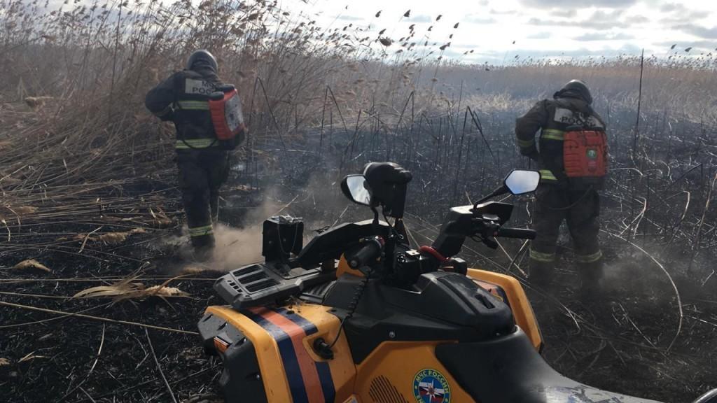 Мобильные группы тушат пожары по поручению Игоря Бабушкина