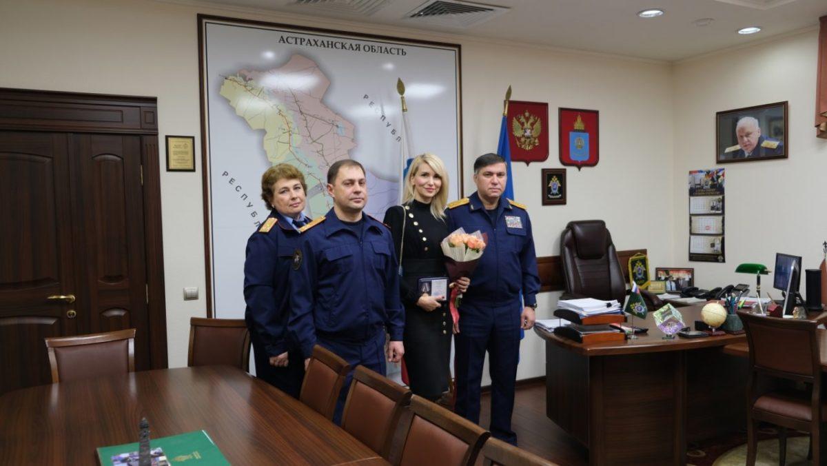 Астраханка получила медаль за то, что «сдала» педофила полиции