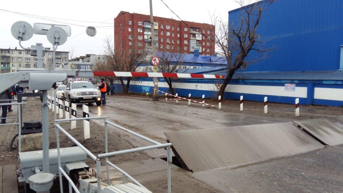 В Астрахани снова на ночь перекроют переезд возле АГТУ