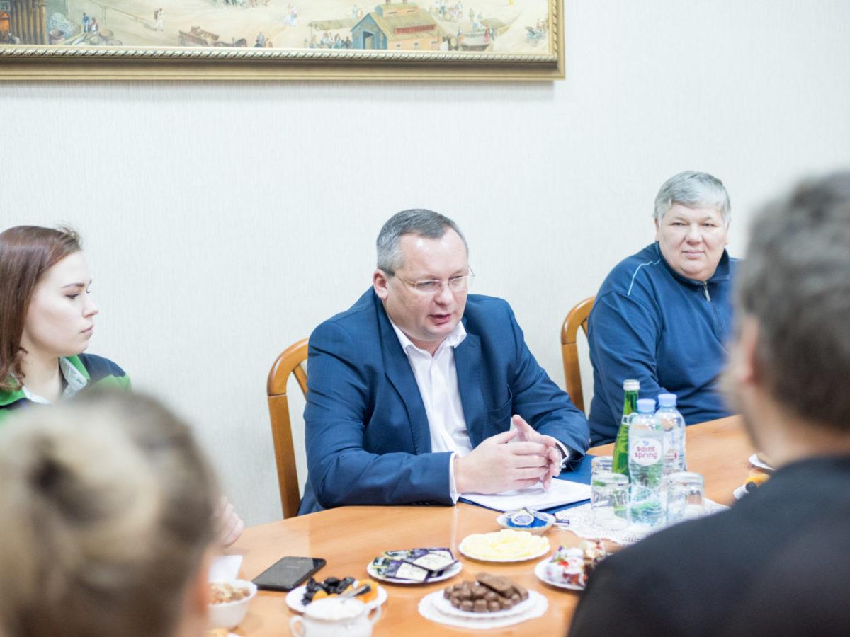 Игорь Мартынов заявил, что единороссы не будут скрывать партийность на выборах в Гордуму