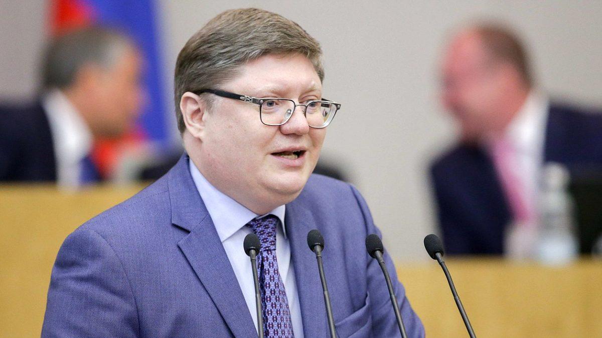 Россиянам могут запретить курить на кухнях коммуналок