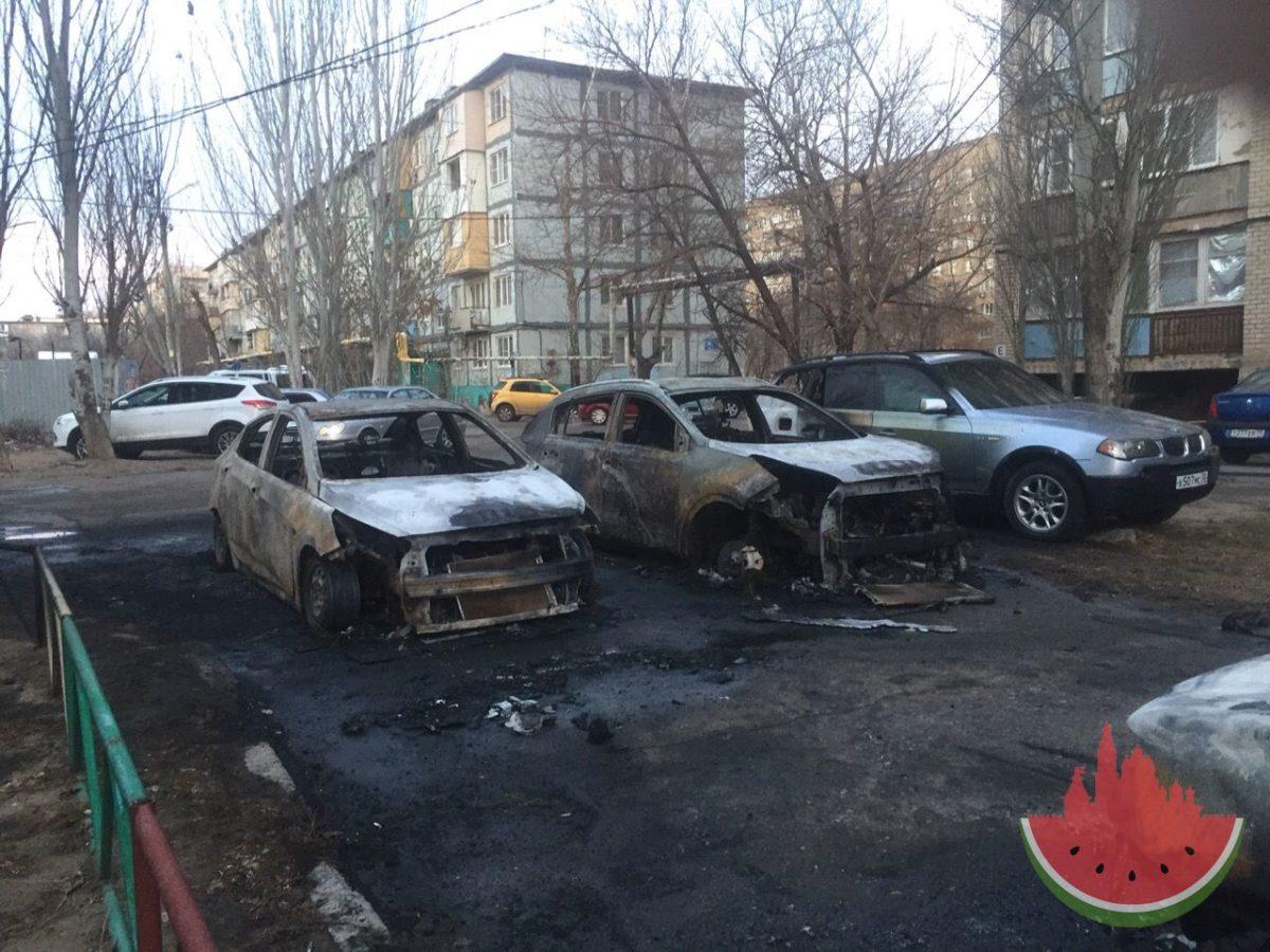 В Юго-Востоке сожгли машину астраханского депутата