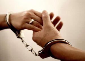 Влюбленный пристав из Астрахани стала уголовницей
