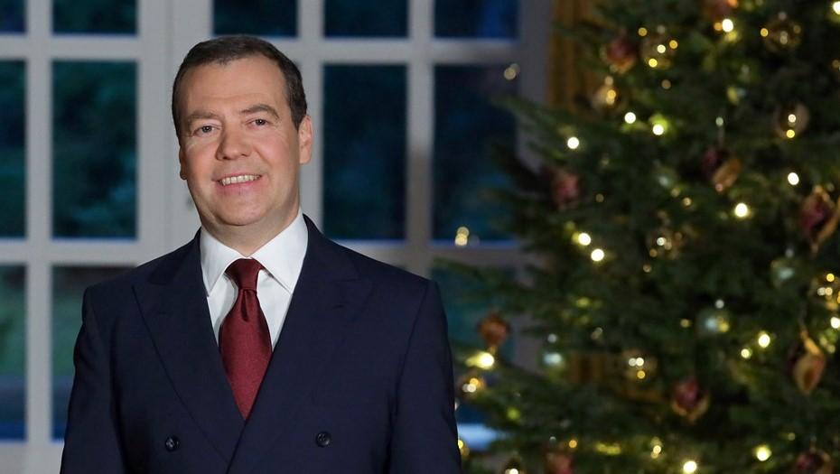 «Чем новее год, тем ближе к смерти»: Медведев процитировал Чехова