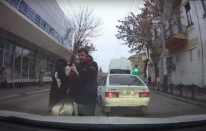 Маршрутчика накажут за устроенную им драку в центре Астрахани