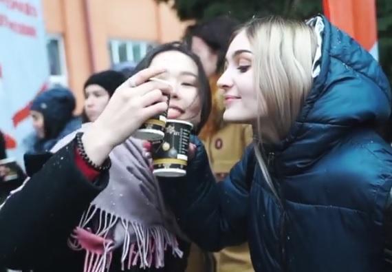 Игорь Бабушкин напоил студентов глинтвейном