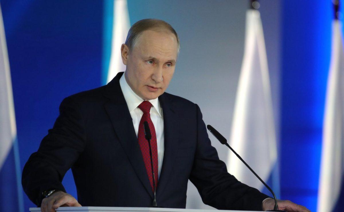 Путин назвал бедность главной угрозой демографии
