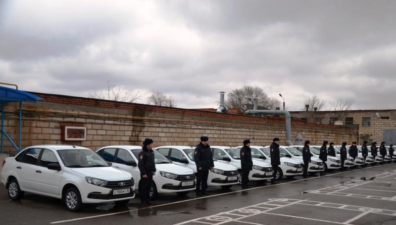 Астраханские полицейские пересели на новенькие авто