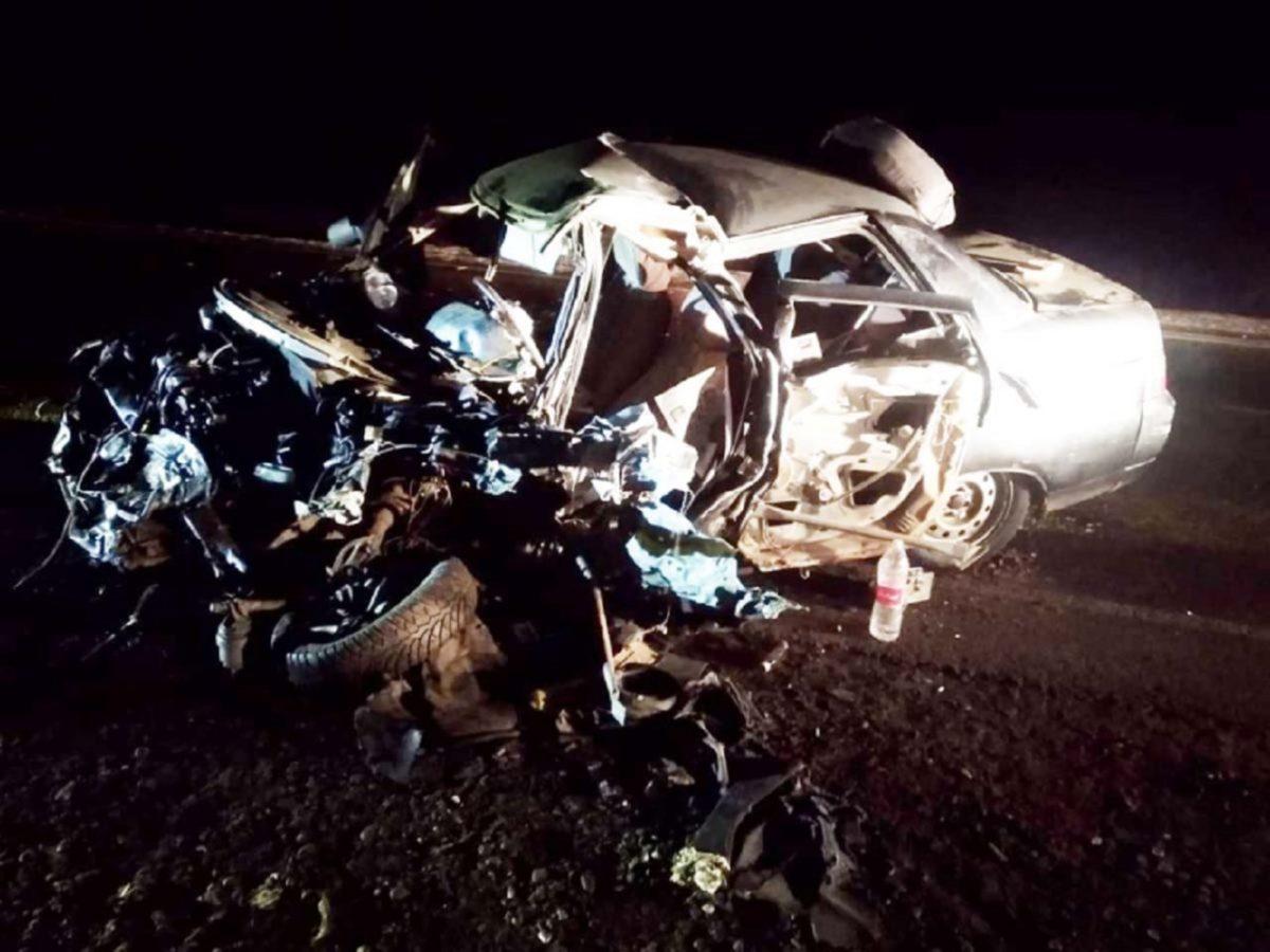 Подробности жуткой аварии грузовика и легковушки под Астраханью