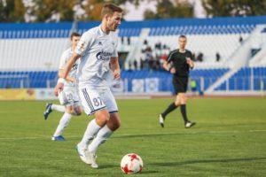 Астраханский футболист прочитал Есенина и сорвал аплодисменты