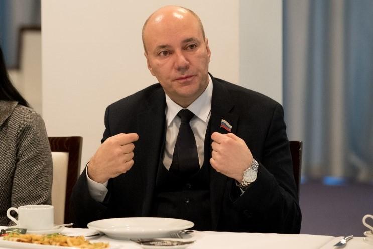 Астраханский депутат обвинил туристов в варварском истреблении рыбы