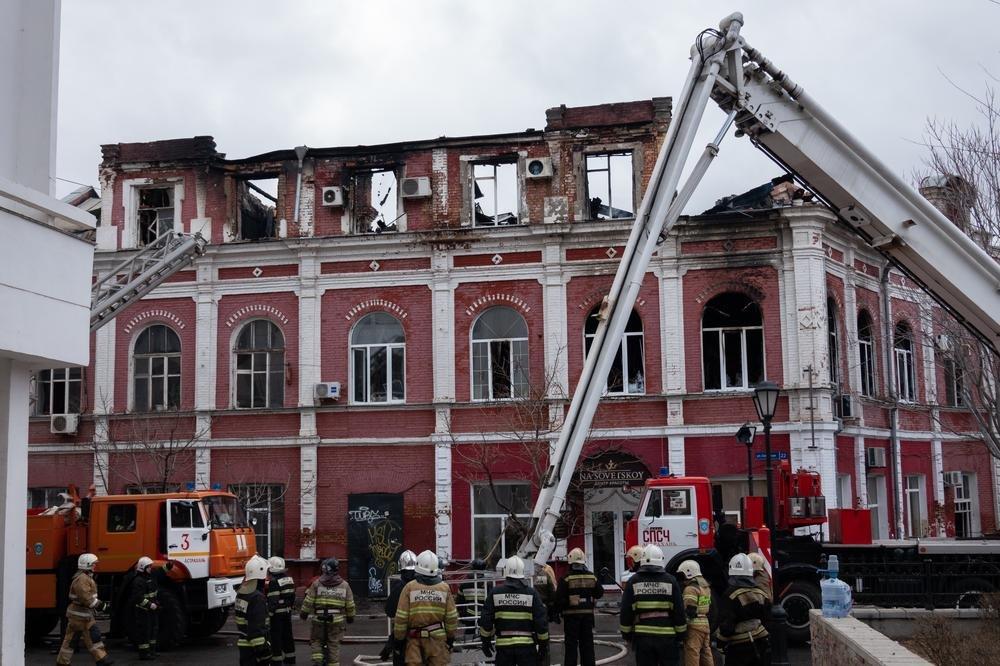 Администрация Астрахани продолжает оказывать помощь пострадавшим от пожара