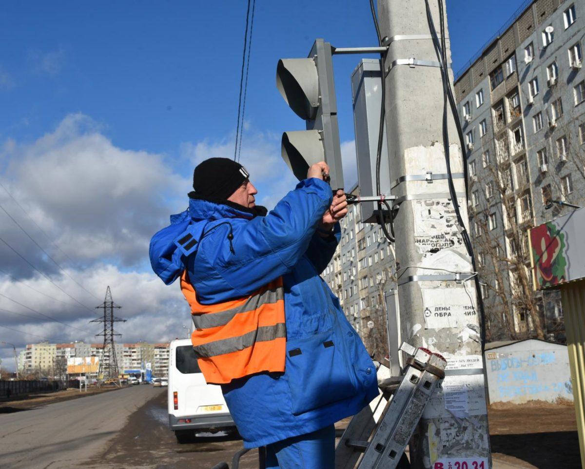 Астраханские светофоры переводят на новый режим работы